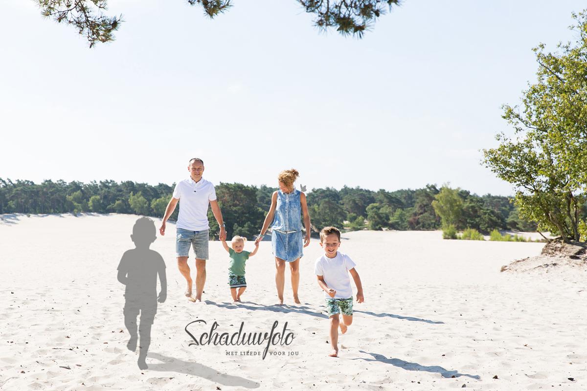 gezin   op locatie   schaduwfoto